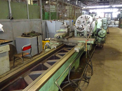 http://brmachinery.com/lathes/screw-cutter-lathe-pv-45italy/